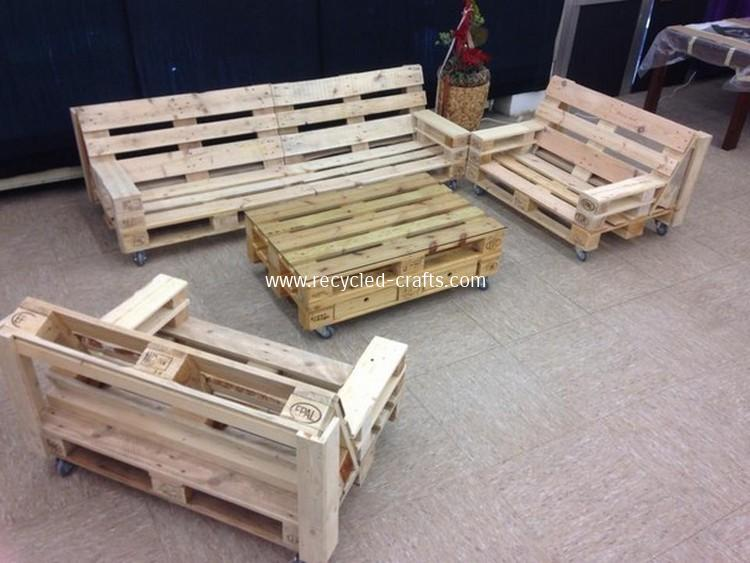 Pallet-Wooden-Outdoor-Furniture